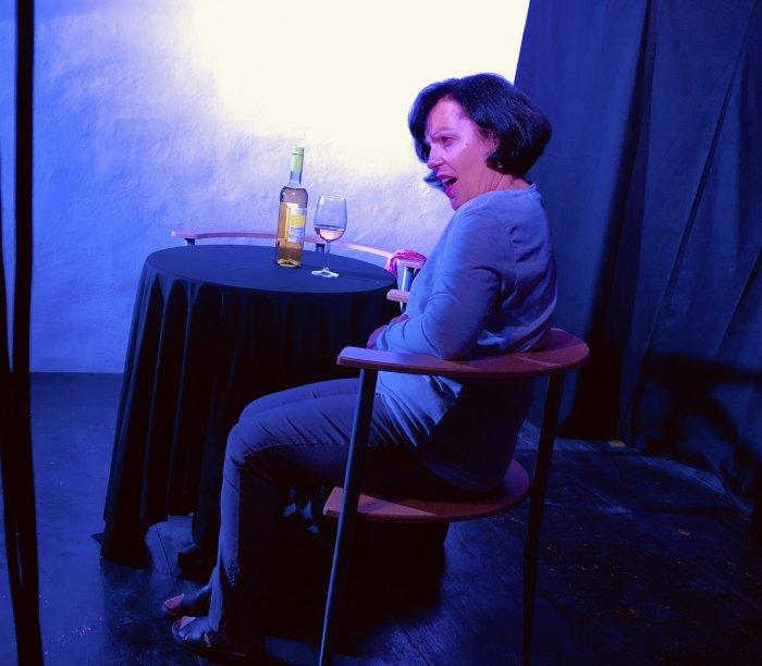 Shirley Valentine mit Hannelore Fradler. Regie: Christina Jonke.1