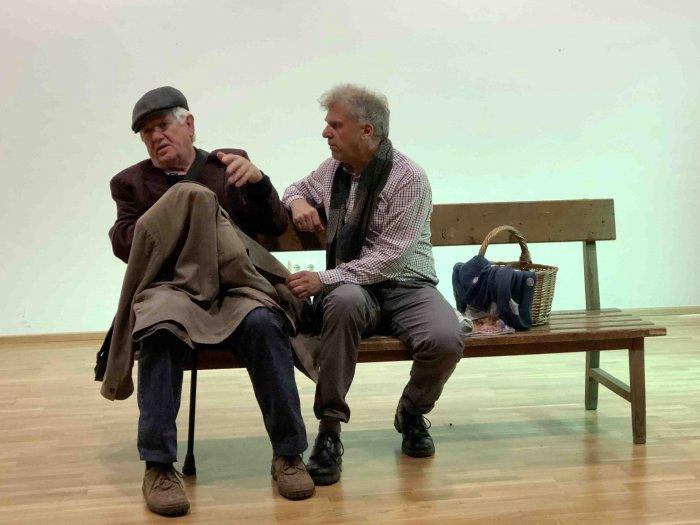 Die Eisernen von Aldo Nicolaj mit Karin Karlbauer, Gernot Kurz und Walter Seljak. Regie: Christina Jonke